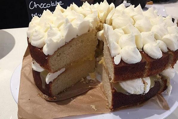 Cafe  lemon cake